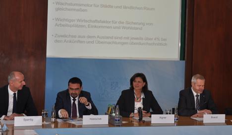 Bayern Tourimus Marketing-Chef Martin Spantig schw�rmt von den sozialen Netzwerke  Bild