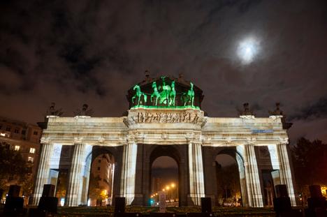 be berlin bringt das Brandenburger Tor nach Madrid Bild