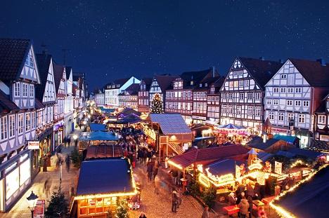 """Mit seinem Illuminationskonzept konnte Celle das Publikum im Wettbewerb """"Best Christmas City"""" überzeugen; Foto: Stadt Celle / Christmasworld"""