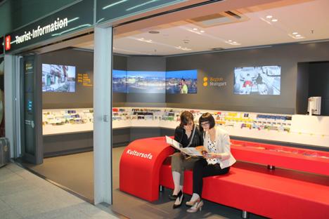 Stuttgart pr�sentiert sich mit neuer Tourist Information am Flughafen Bild