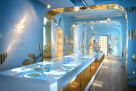 Die Leuchtenburg birgt das Museum Porzellanwelten mit einem ausgezeichnten Ausstellungskonzept; Foto: Stiftung Leuchtenburg