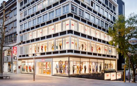Der UNIQLO Store befindet sich in der Königstraße 33 in Stuttgart - in der Nähe des Kunstmuseums Stuttgart; Foto: UNIQLO